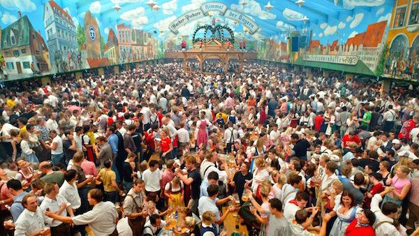 Oktoberfest Bira Festivali Münih Almanya