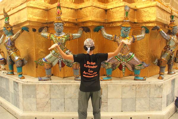 Sırtçantalılar Tayland'da