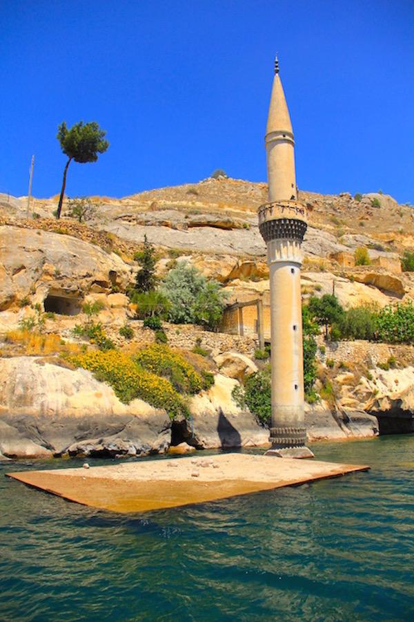 Halfeti Savaşan Köyü Camii